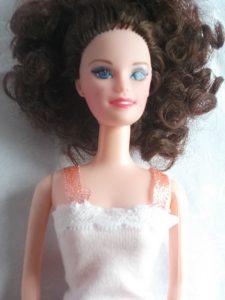 Dans la garde robe de Barbie il y a son pyjama